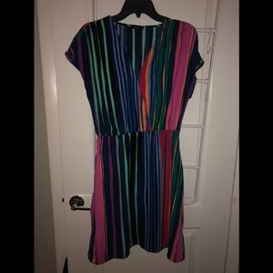 Halogen dress with pockets